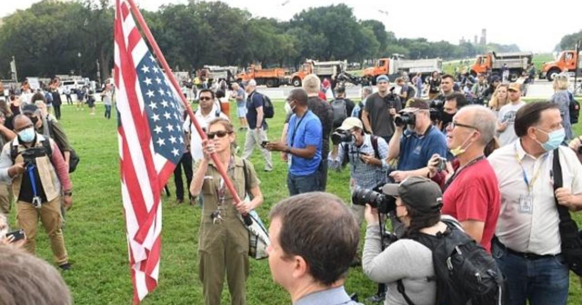 """""""Justice for J6"""" rally draws smaller than expected crowds at U.S. Capitol"""