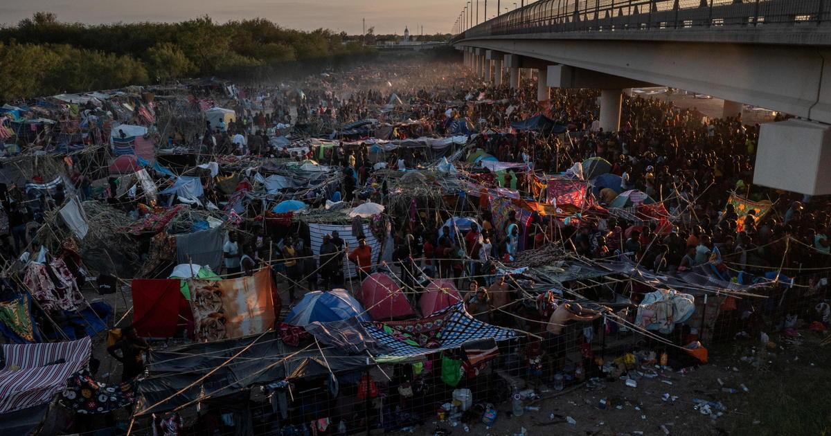 U.S. starts mass expulsion of Haitian migrants from Texas border town - CBS  News