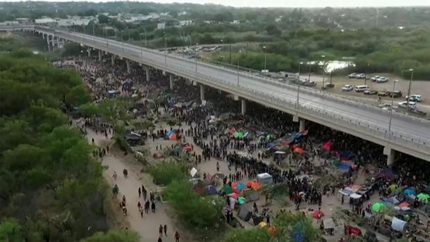 migrants-in-del-rio-texas.jpg