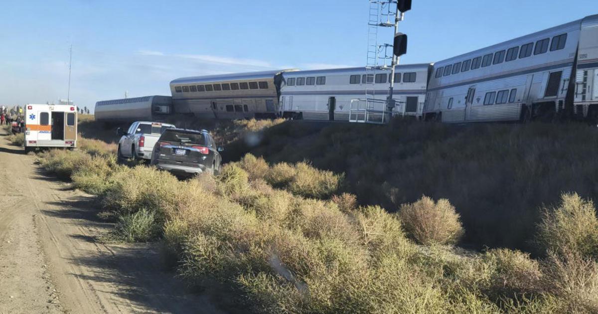 Setidaknya 3 tewas saat Amtrak berfilsafat tergelincir di Montana thumbnail
