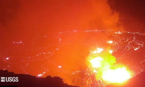 kilauea-volcano-late-on-092921-usgs-webcam-view.jpg