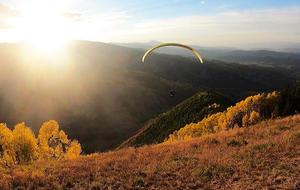 fall-colors-paragliding-1920-811679-640x360.jpg