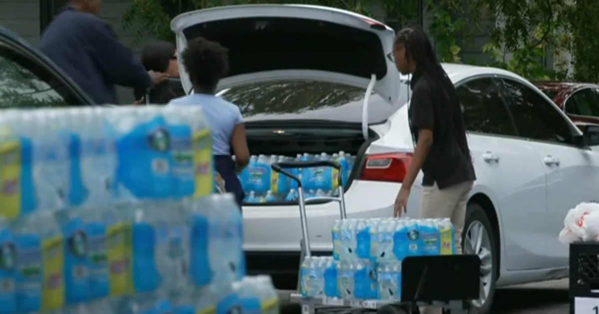 Lead water crisis hits another Michigan city - CBS News