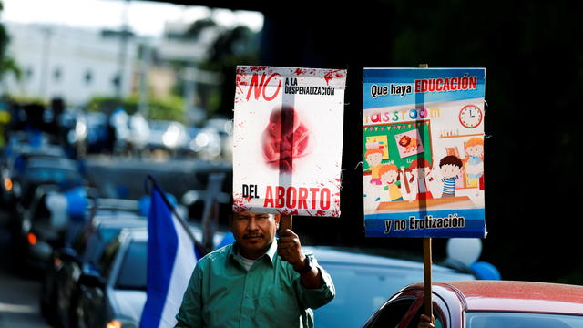 """Catholics and conservative organizations participate in the the """"Caravan for life, family and religious freedom"""" in San Salvador"""