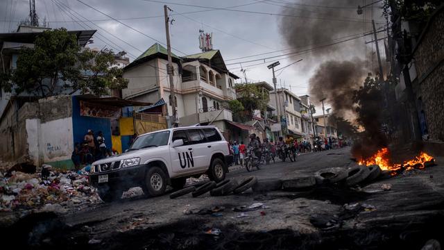 TOPSHOT-HAITI-UNREST-FUEL-SHORTAGE